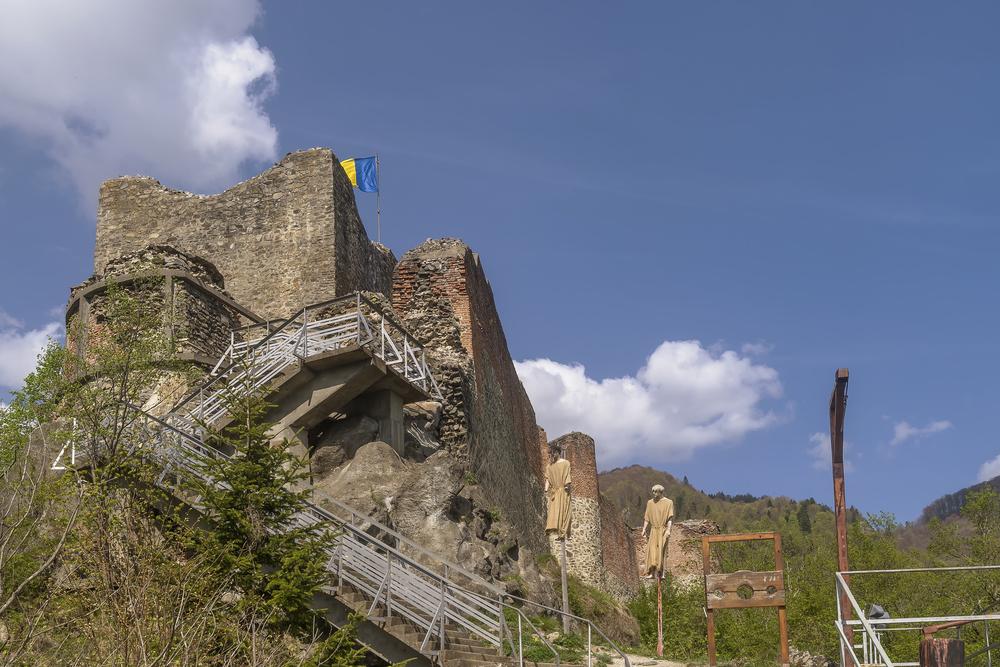 Угроза нападения: замок Дракулы закрыли для туристов