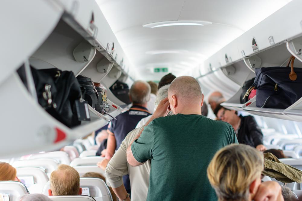 «А где мы летим?» – «В небе», или Самые нелепые вопросы и просьбы авиапассажиров