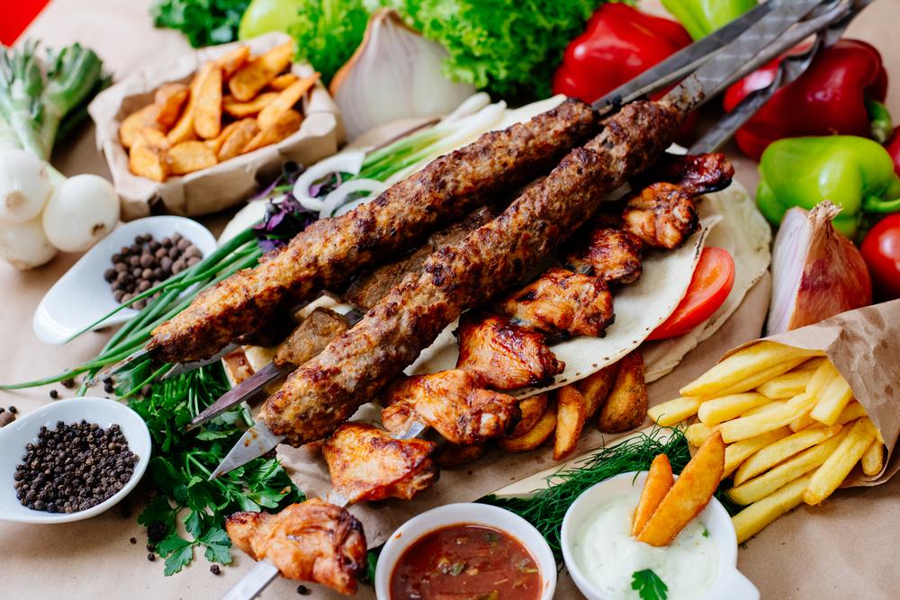 Мясо, мясо, и еще раз мясо: уличная еда в Греции