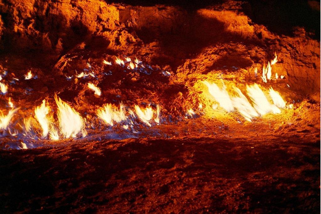 Азербайджан: место, где земля «взрывается» прямо под ногами