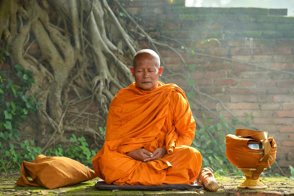 Время для медитации: буддисты отмечают начало Вассы