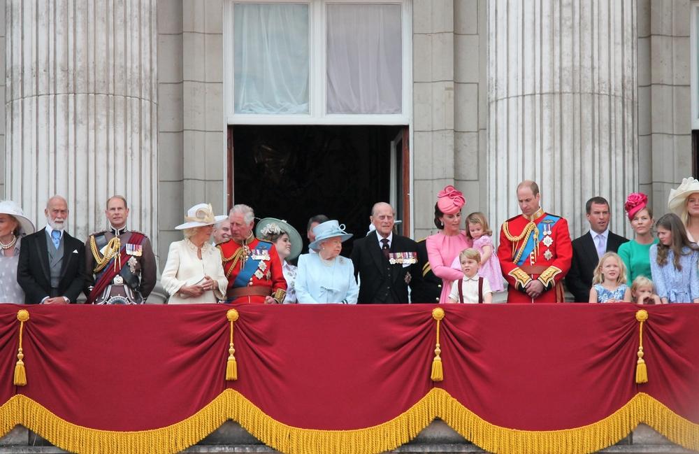 Впервые в истории английская королева назначила своим адъютантом темнокожего