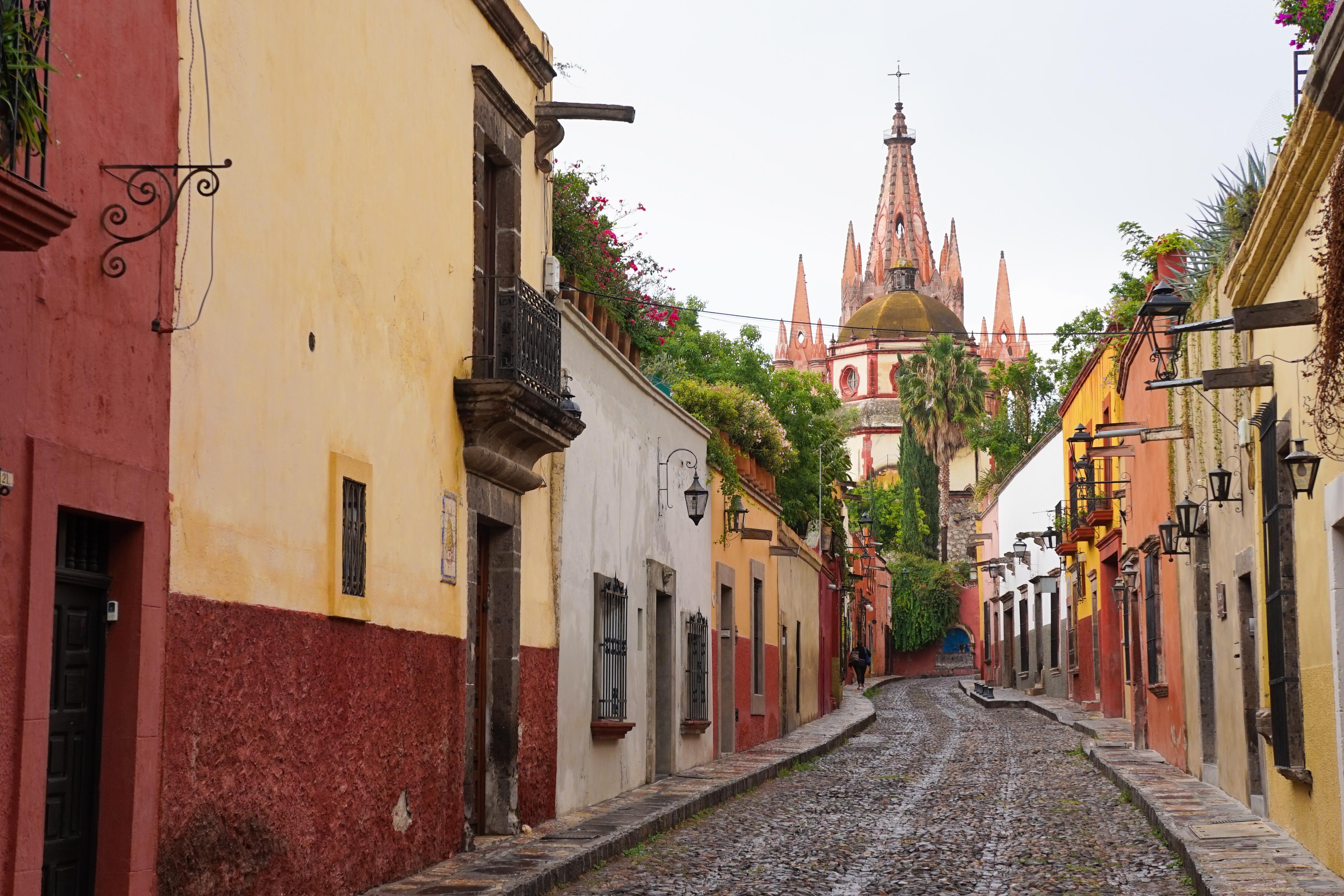 Назван лучший город для путешествий. И он в Мексике