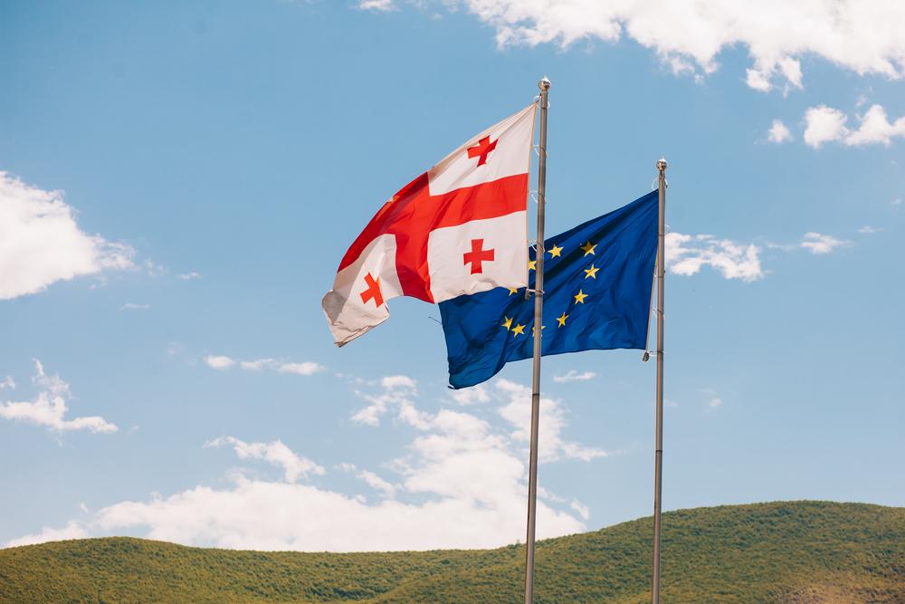 Граждане Грузии не спешат возвращаться из ЕС после введения безвиза