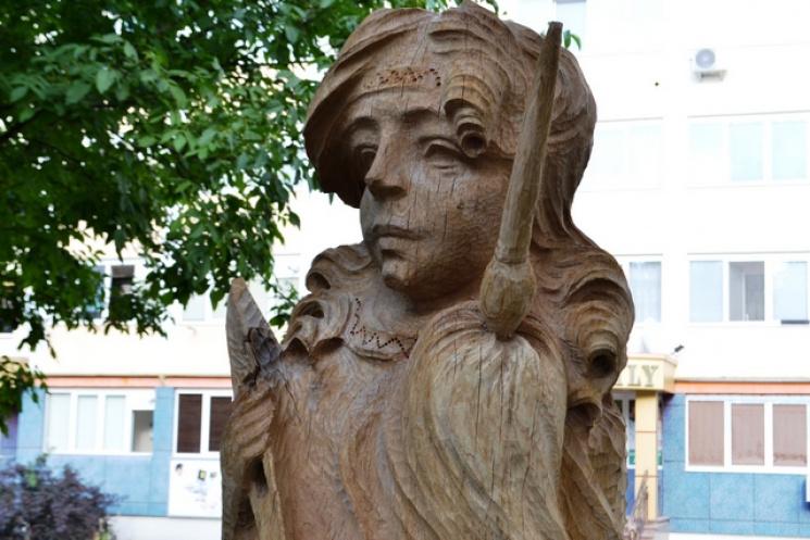 В Каменец-Подольском появился сад деревянных ремесленников