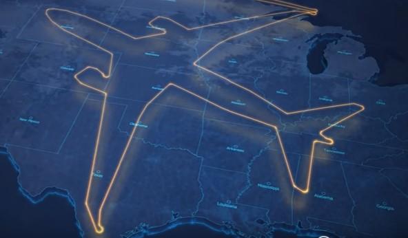 Самолет начертил в небе над США собственный гигантский силуэт
