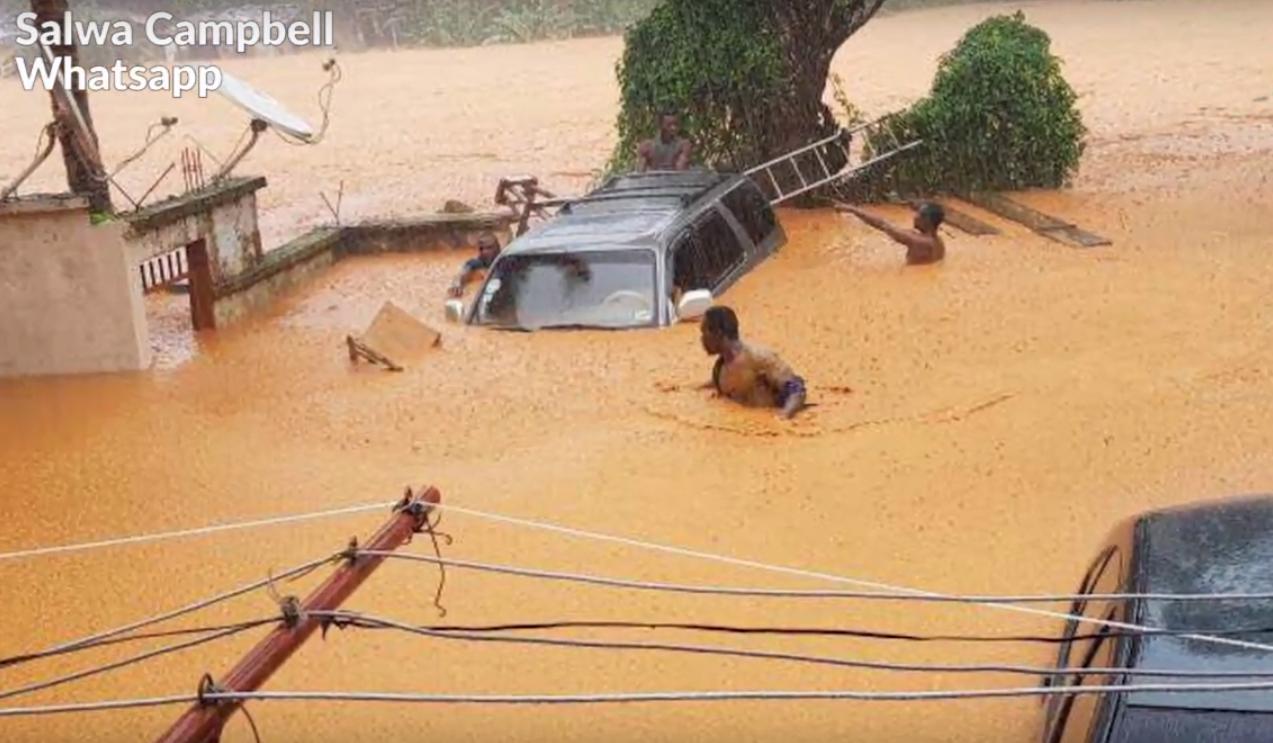 Гигантский оползень смыл город в Сьерра-Леоне: видео