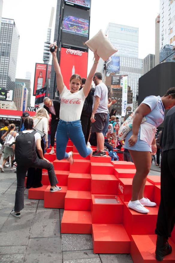 Первый в мире 3D-билборд появился на Таймс-сквер.Вокруг Света. Украина