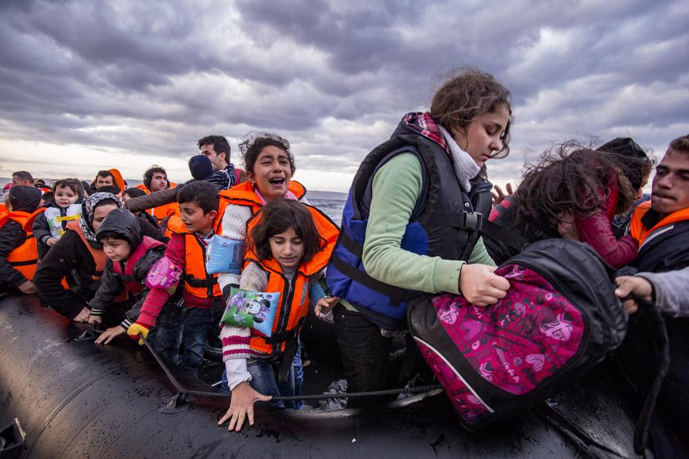 Их слишком много: Испания не справляется с наплывом мигрантов