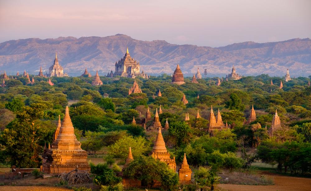 Российскую туристку посадили в тюрьму за отказ разуться в буддистском храме