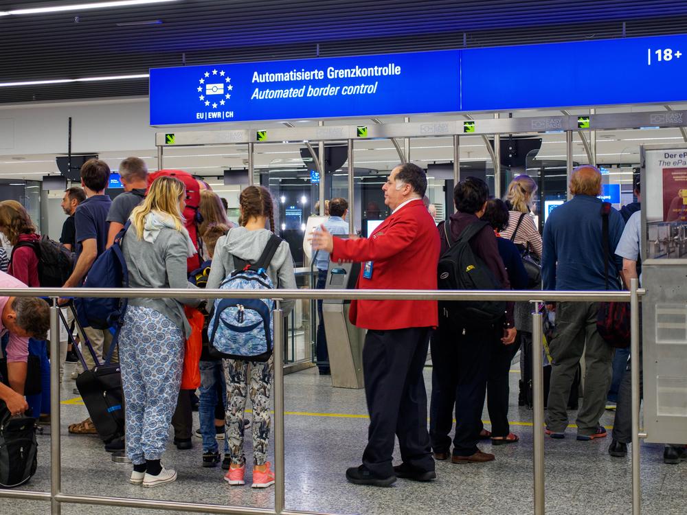 Безвизовый режим: сколько денег брать в Европу, чтобы не завернули на границе