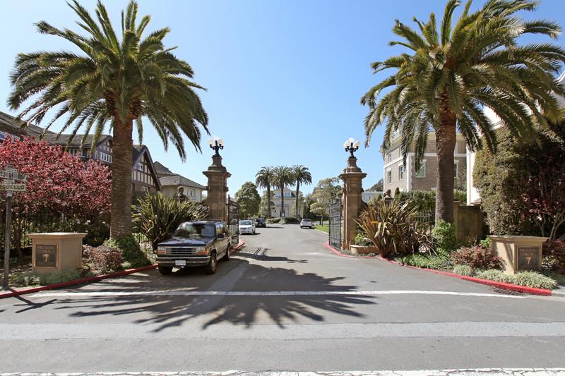 В Сан-Франциско за долги продали целую улицу