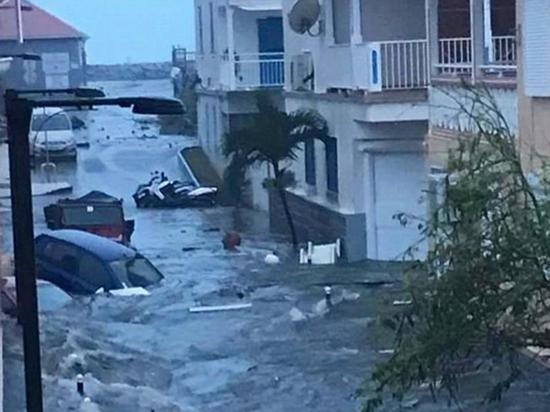 Ураган «Ирма»: разрушено 90% построек на двух островах, есть жертвы