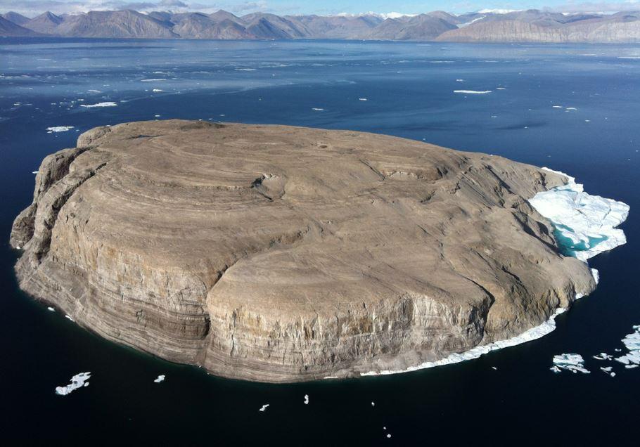 Канада и Дания полвека делят голый камень в море.Вокруг Света. Украина