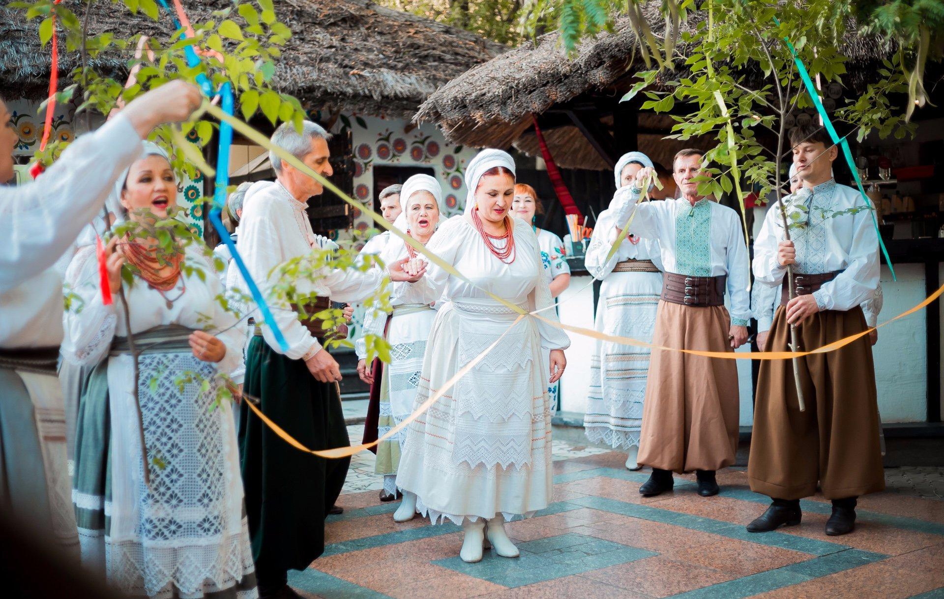 Ах, це весілля! Красиві місця для весільних урочистостей в Україні