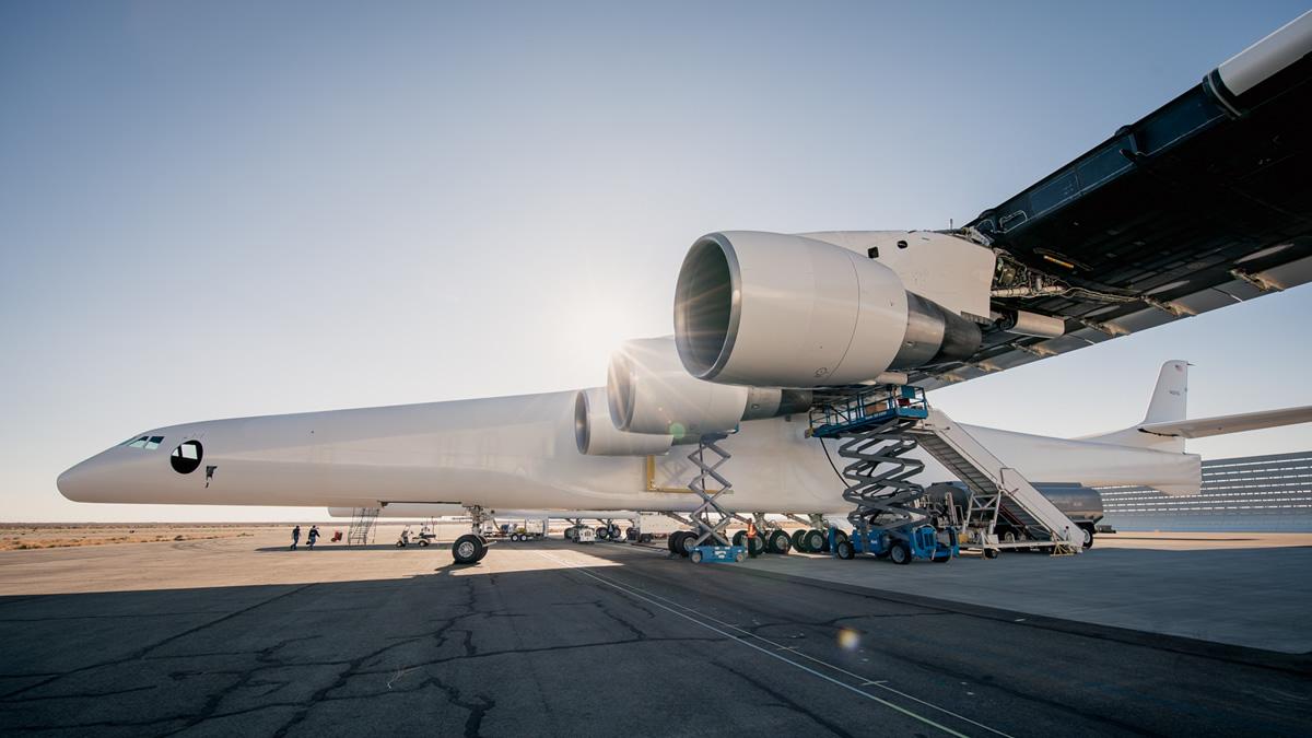 Самый большой самолет в мире успешно прошел испытания.Вокруг Света. Украина