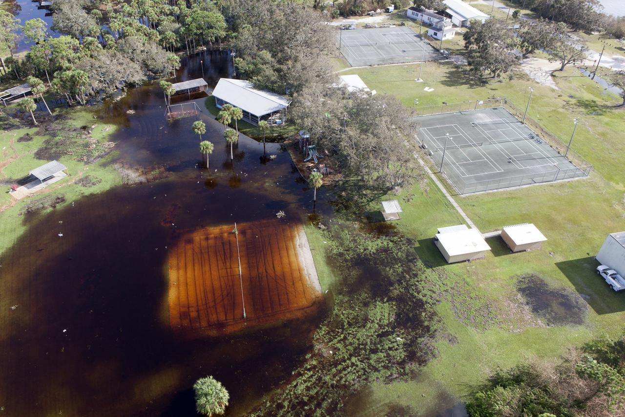 NASA показала фото разрушенных ураганом