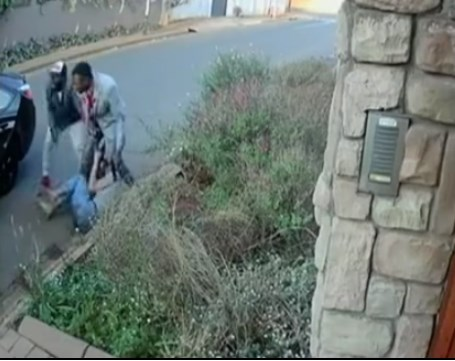 Студентка из ЮАР победила грабителей ради диплома