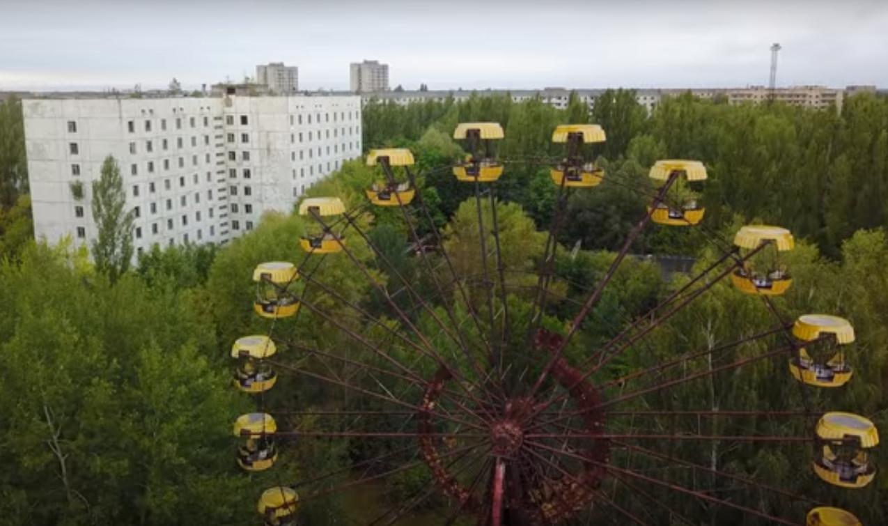 В Припяти сталкеры запустили колесо обозрения