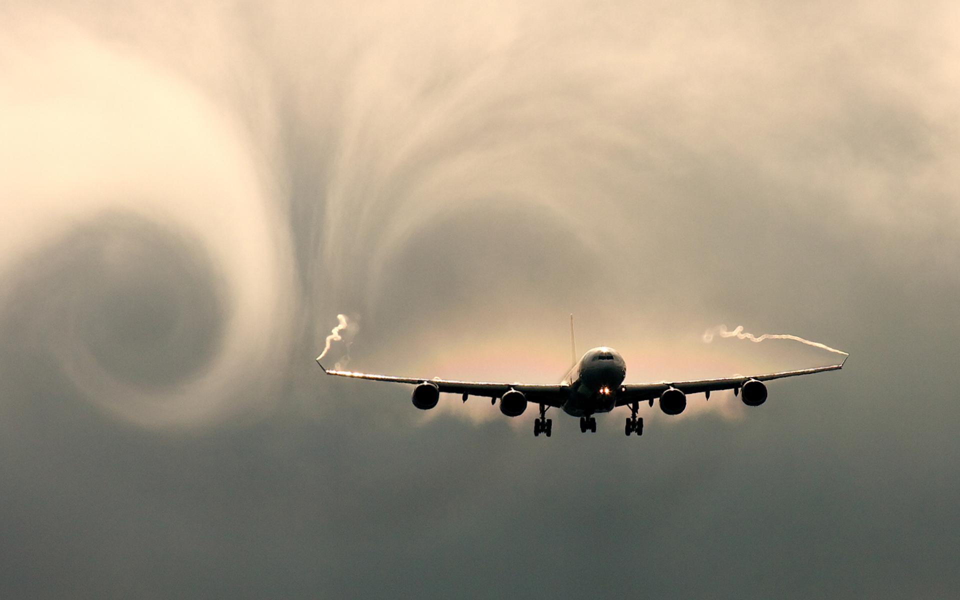 Турбулентность: стоит ли ее бояться и как не паниковать?