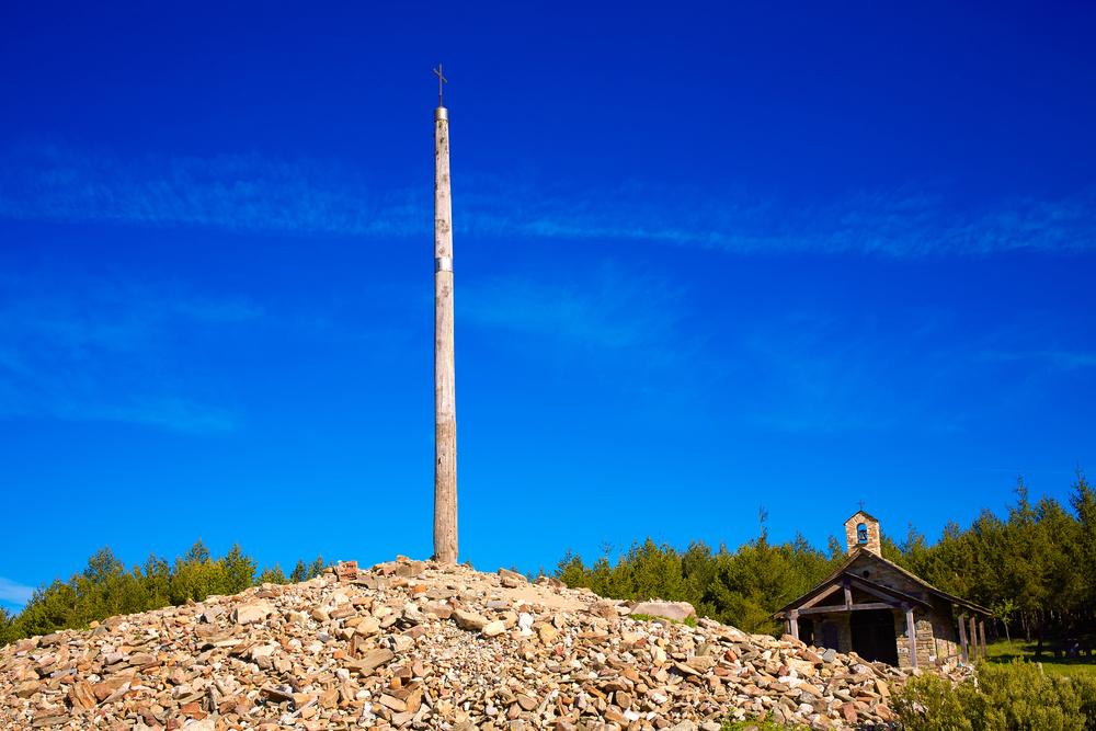 По пути святого Иакова: Камни украинской земли у креста Круз-де-Ферро (видео)