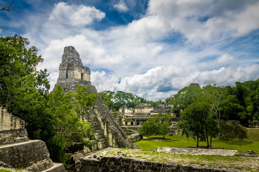 В Гватемале обнаружили древнейшее захоронение верховного вождя майя