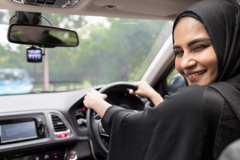 В Саудовской Аравии женщинам разрешили садиться за руль
