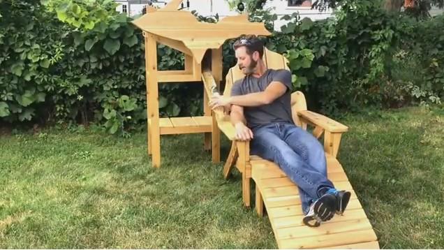 Американец изобрел стул для ленивых любителей пива