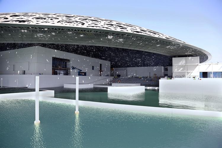 В Абу-Даби открывается филиал Лувра