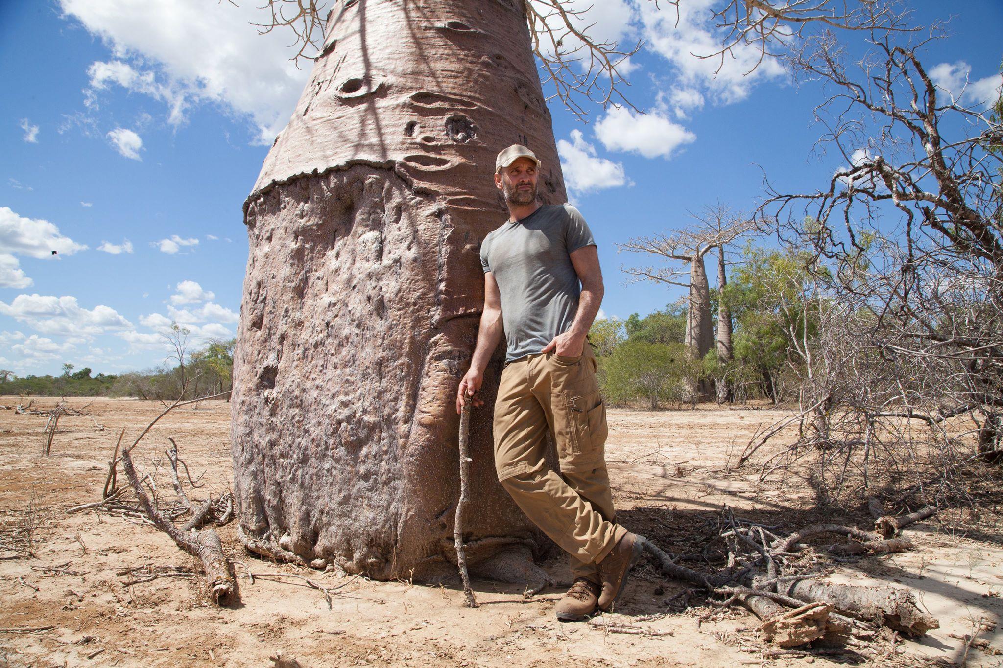 Ел галлюциногенные грибы и пил из луж: экстремал-выживальщик рассказал о путешествиях по миру