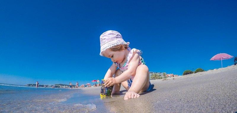 Отдых с грудничком в Испании: все за и против