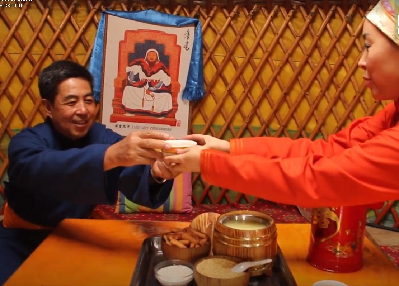 Вкус дома: как в Монголии варят традиционный молочный чай