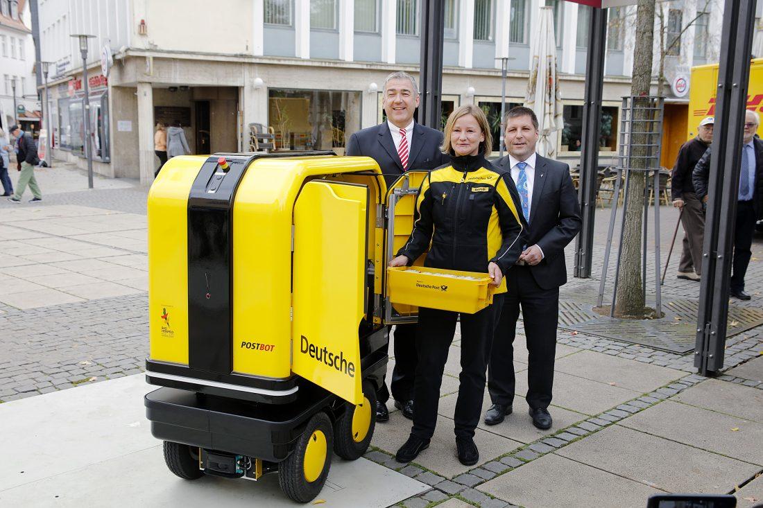 Международный день почты: в Германии и во Франции почту развозят роботы