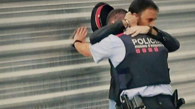Референдум в Каталонии: пострадали более 800 человек, трое погибли