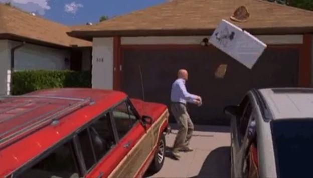 Дом, в котором снимали «Во все тяжкие», закидали пиццей