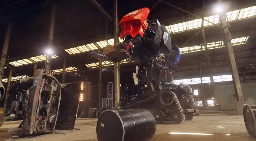 В Японии впервые в истории подрались роботы-гиганты