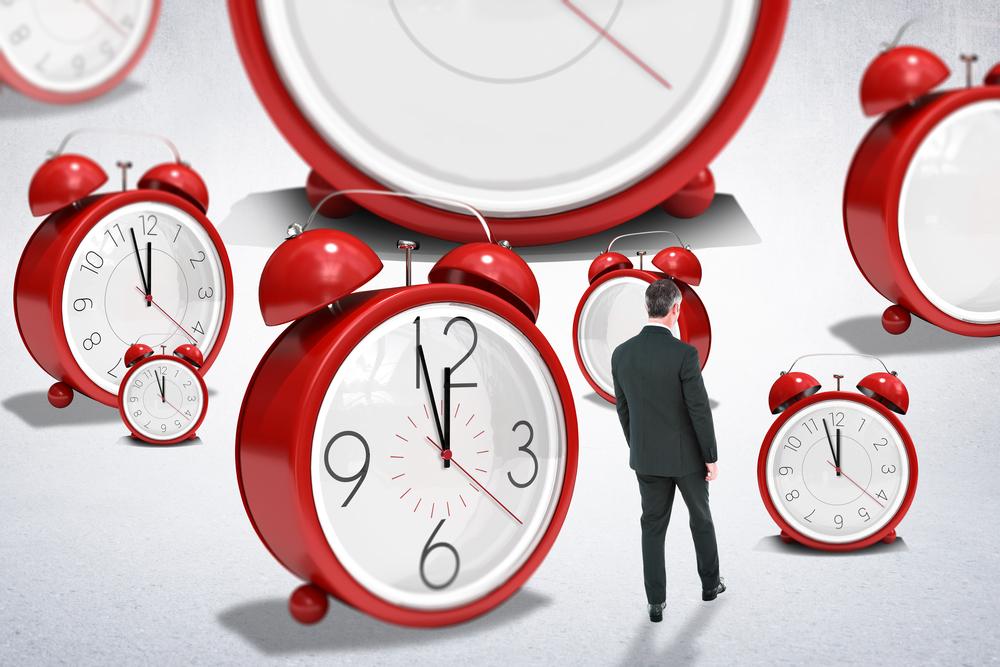 Зачем переводят часы?
