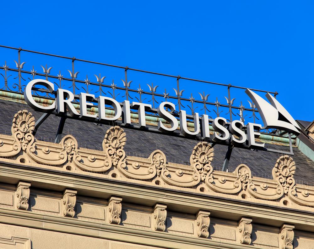 Швейцарцы обеднели из-за долгов
