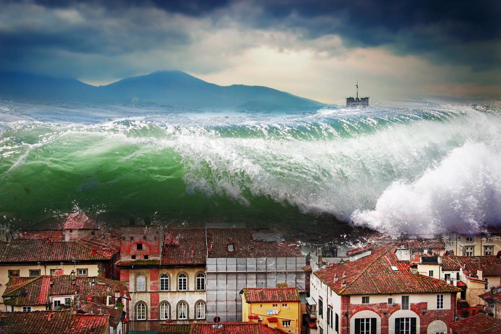 В Средиземном море наступил период  штормов и... цунами