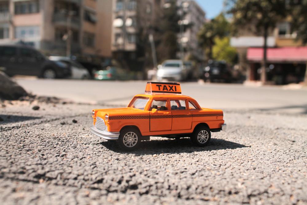 Топ-10 стран, где украинцы чаще всего заказывают такси