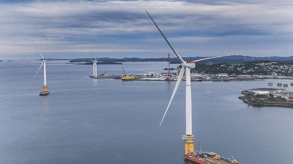 В Шотландии заработала первая в мире плавучая ветровая электростанция