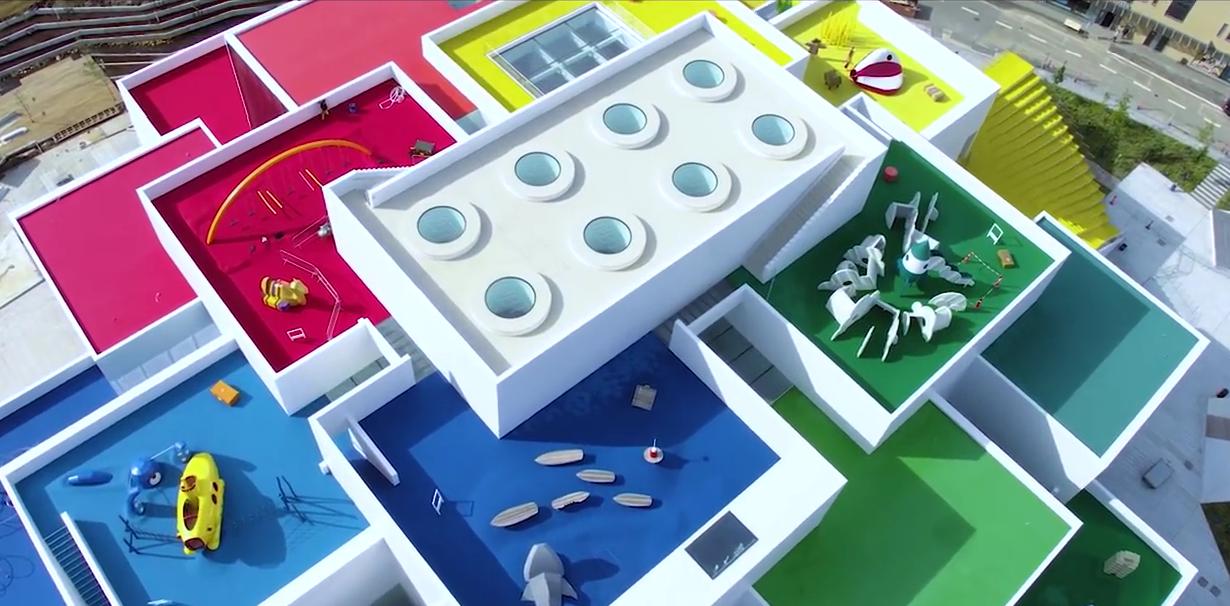 Только для фанов: Airbnb разыгрывает ночь в новом Лего-особняке