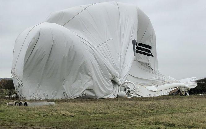 В Великобритании вновь рухнул самый большой в мире дирижабль