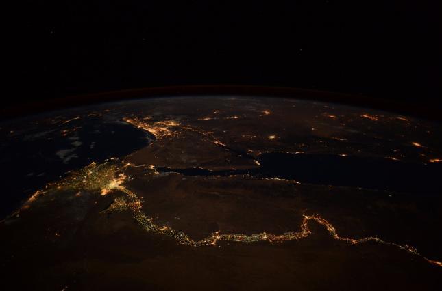 Нил светится! Как выглядит  водная артерия Африки из космоса
