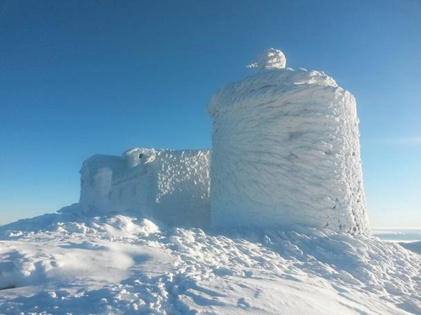 Обсерватория в Карпатах превратилась в сказочный замок