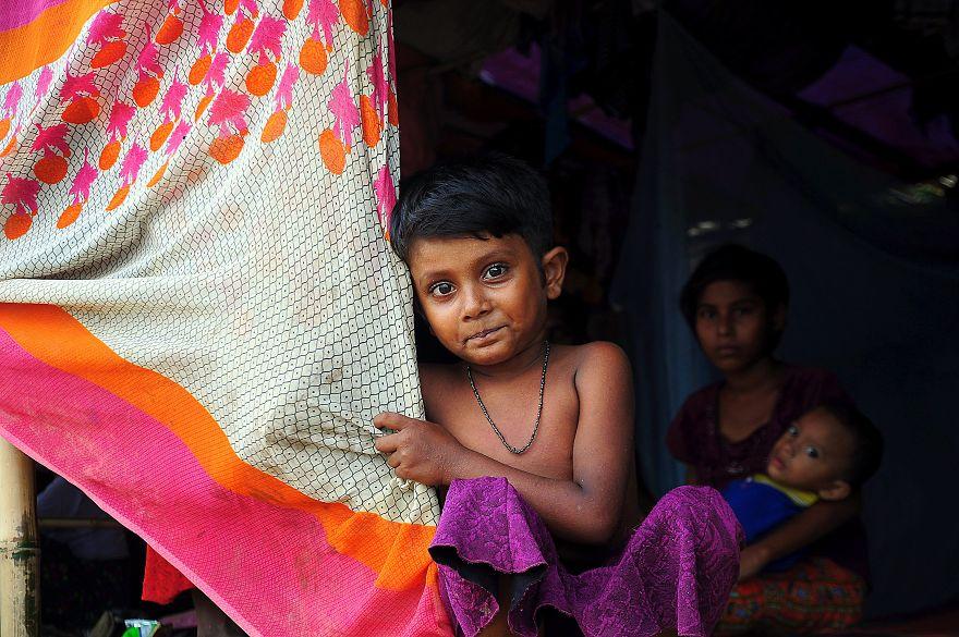Заложники взрослых войн: как живут дети в лагере беженцев рохинджа