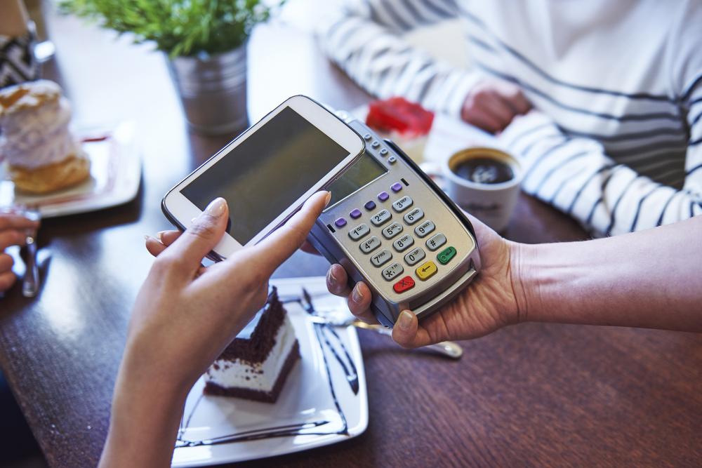 Заменит ли смартфон кошелек? Google запустил в Украине Android Pay