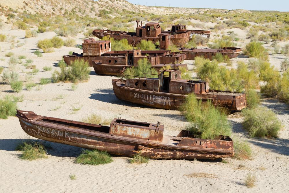 Почему высохло Аральское море?