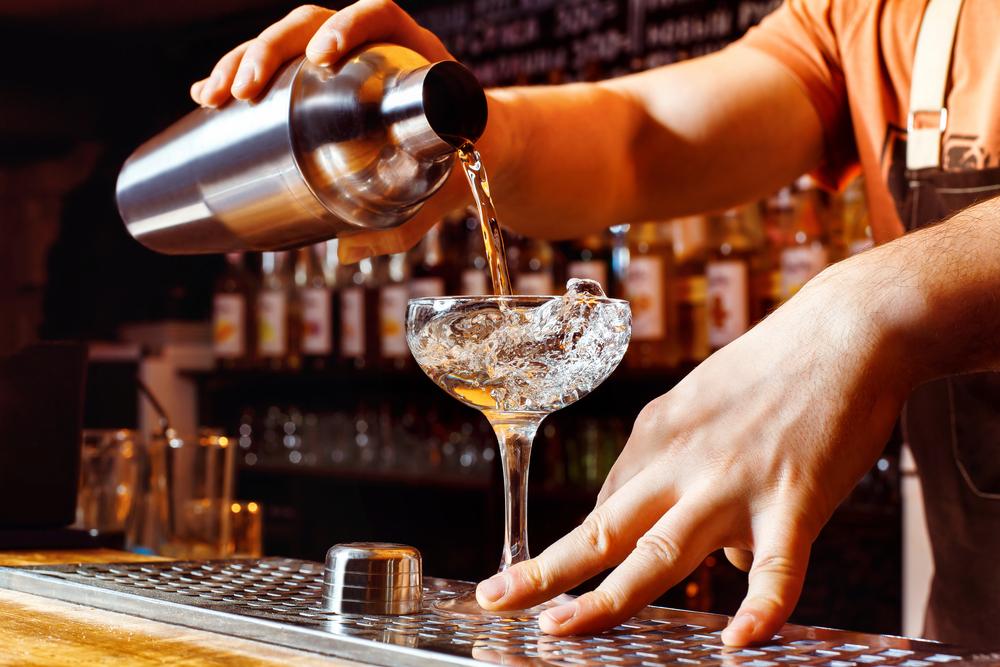 Ученые доказали, что независимые люди пьют больше