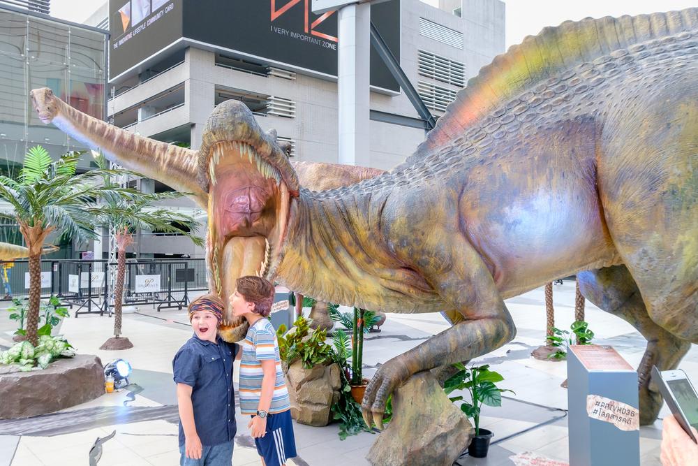 Люди ведут дневной образ жизни благодаря динозаврам
